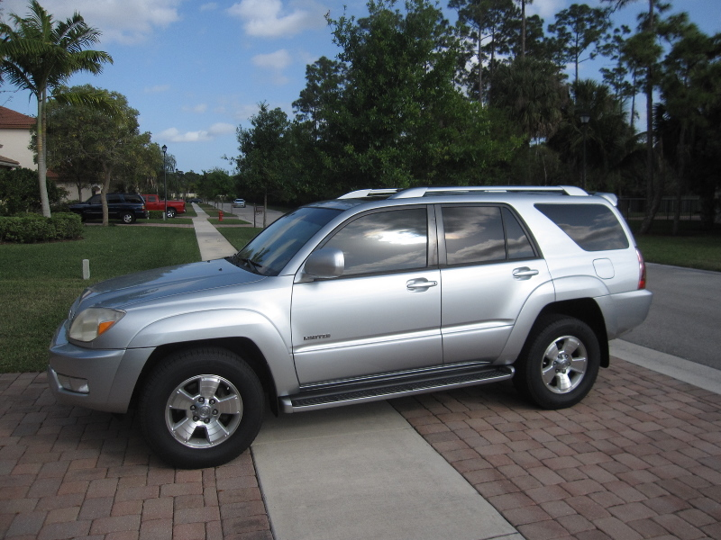 4 Runner >> How-To-Change-Replace-Battery-Toyota-4Runner-01