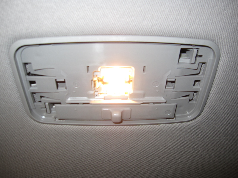 dome light toyota camry